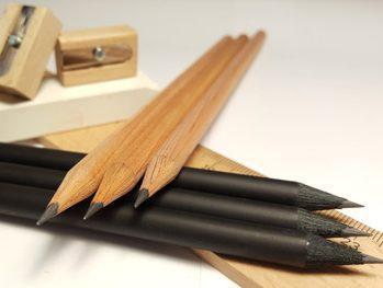Materiales para escritura, oficina, pero también vajilla de papel para eventos o jabones naturales. La oferta de MijoHojas Ecopapelería abarca muy diversos campos.